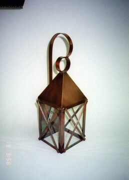 Medium Downeast Lantern